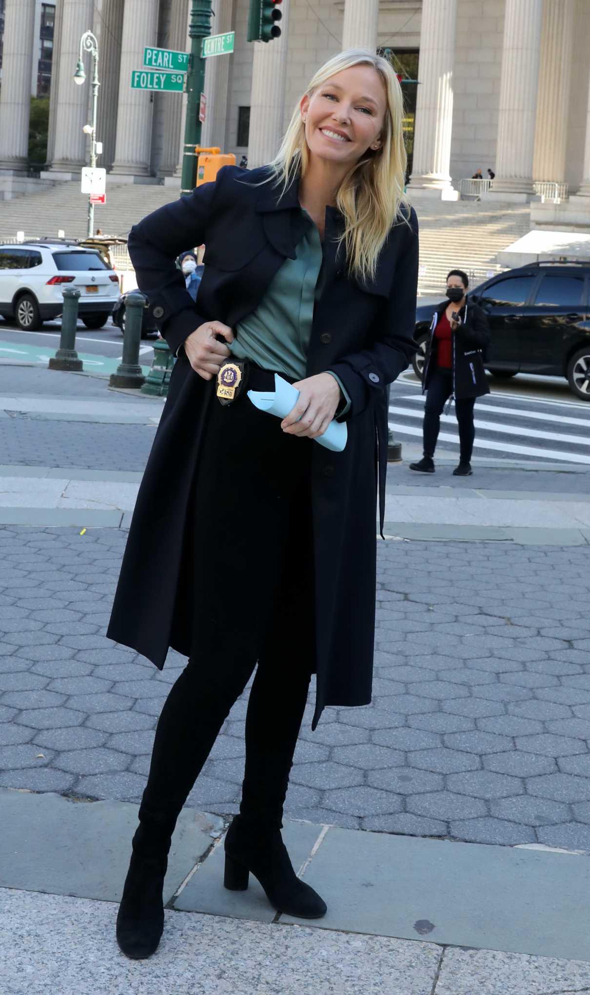 Kelli Giddish in a Black Coat